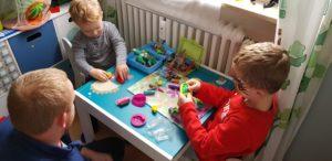 Muss ich immer mit meinem Kind spielen? Die richtige Strategie